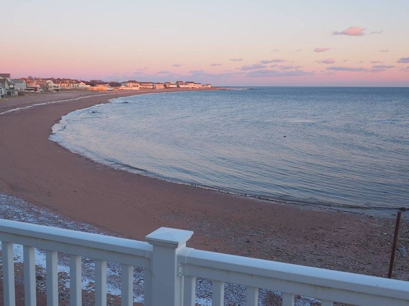 Casa al Mare Beachfront Retreat Yale New Haven, alquiler vacacional en Branford