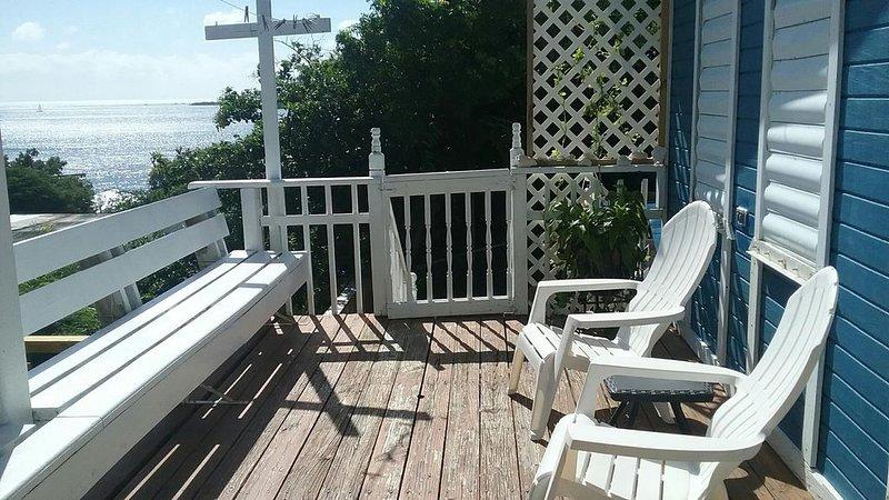 Casa Azul Beautiful Views +Beach Accessories &WiFi, vacation rental in Fraile