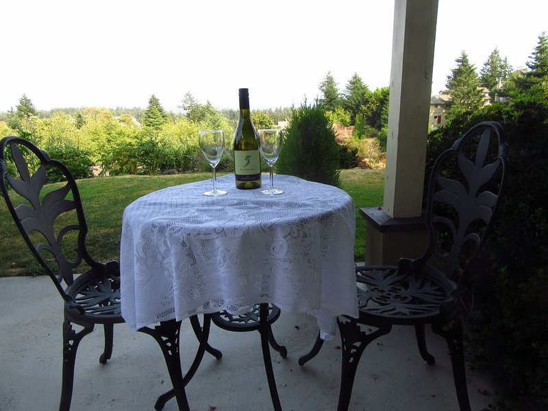 Scenery and Serenity - Delight in your holiday retreat, alquiler de vacaciones en Metchosin