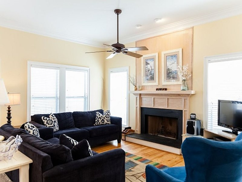 Bright Vacation Home Near Resort Amenities, vacation rental in Isle of Palms