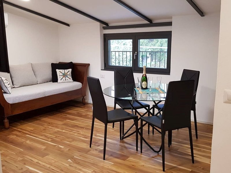 Our flat is for the guest that really appreciate to feel home on holiday, holiday rental in Lierna