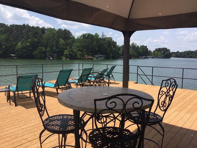 Most Primo Spot on Lanier - Family Fun & Location, Location, Location!, vacation rental in Flowery Branch