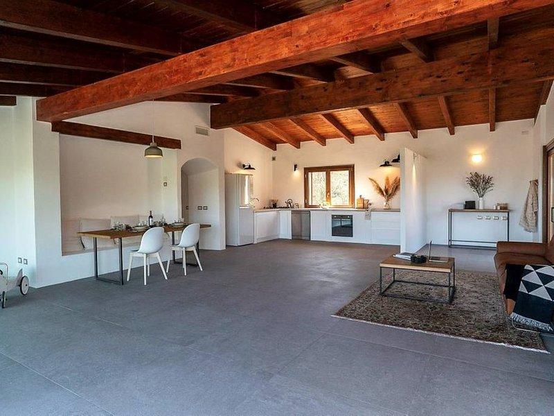 Tavolara Sunrise House, holiday rental in Murta Maria
