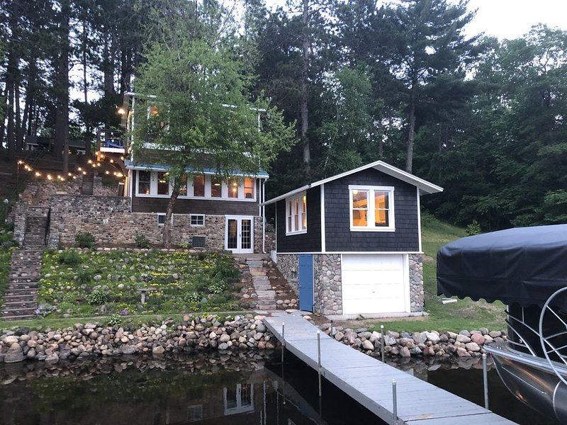 Quaint Cabin on Sibley Lake * PONTOON INCL THRU MID OCTOBER!*  Sleeps 8, holiday rental in Pine River