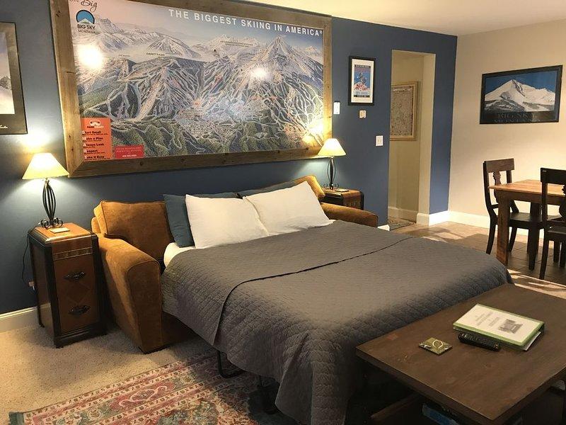 Bozeman Big Sky Gallatin Gateway Yellowstone Creekside Apt, SAME DAY check-in, holiday rental in Four Corners