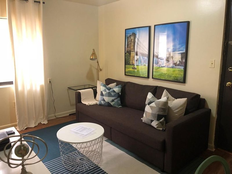 1721 4J · NYC Gateaway-20min to NYC/parking available, vacation rental in Union City