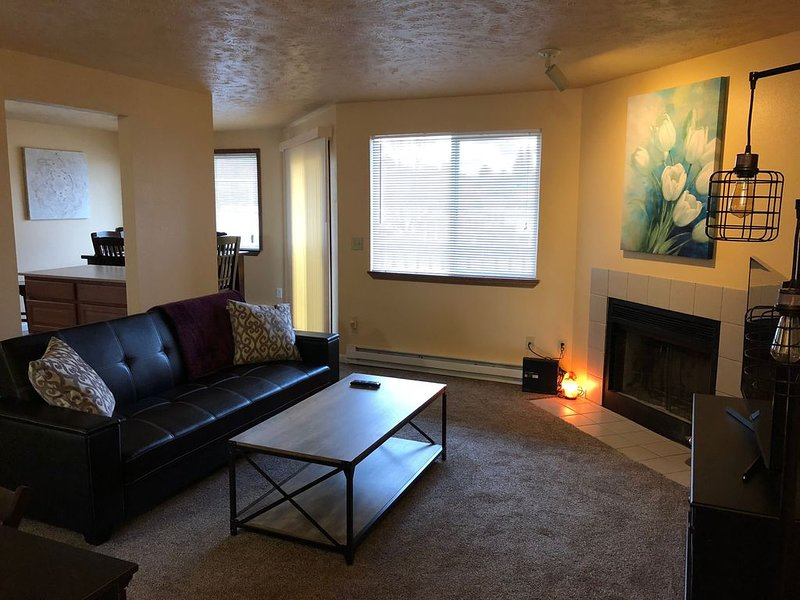 Spokane Valley 2 Bedroom Apartment, location de vacances à Mica