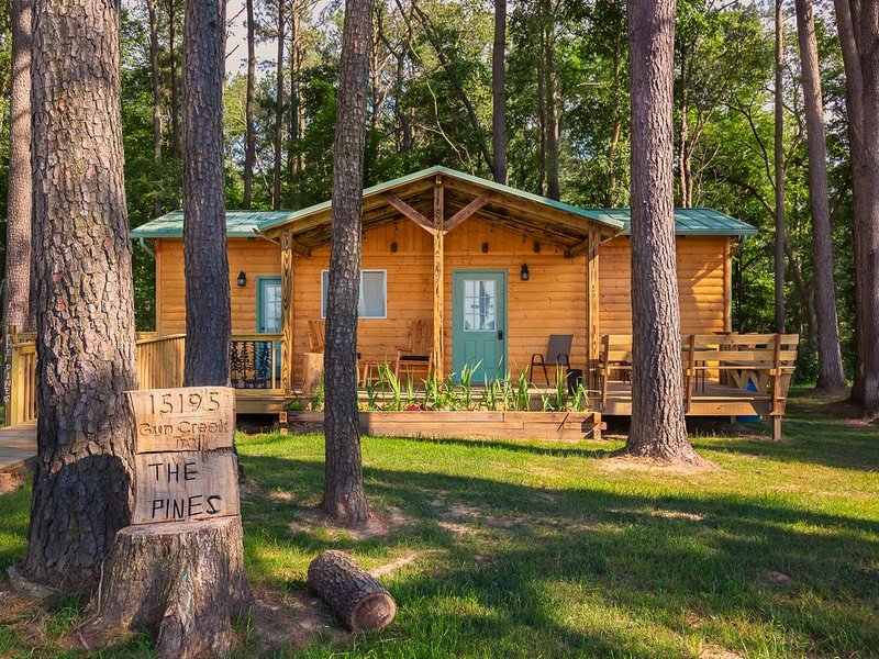 THE PINES IS NOW OPEN FOR RENTALS ! Book now. The weekends are filling quickly., holiday rental in Sesser