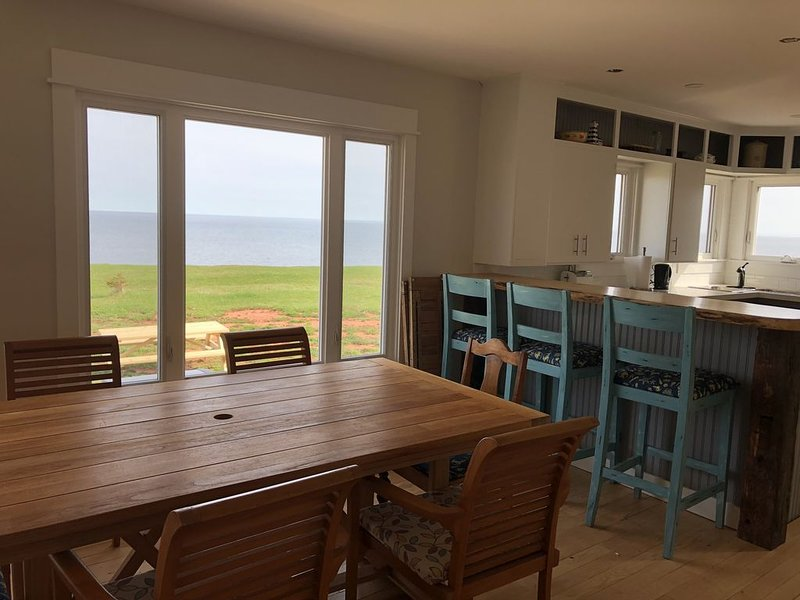 Oceanfront Beach House - Large open concept, holiday rental in Victoria