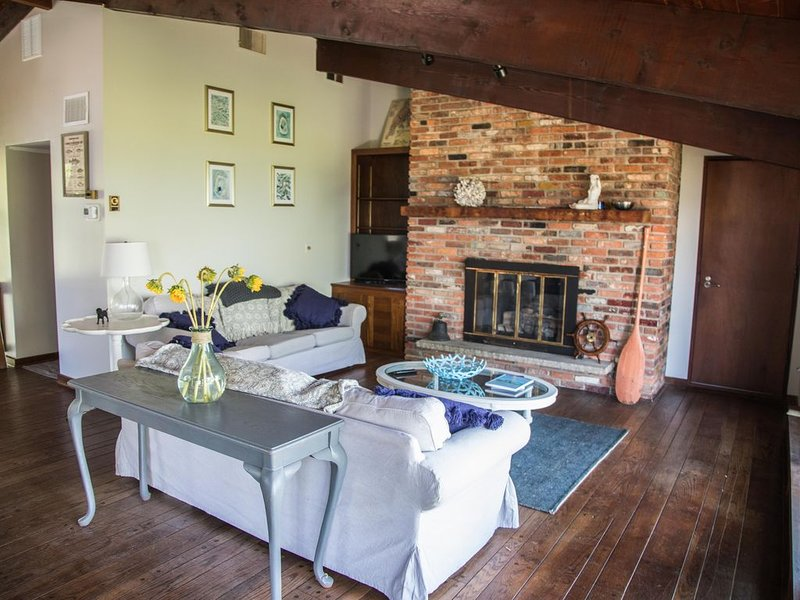 Holiday on the Bay, Kent Island Beach House, location de vacances à Chester