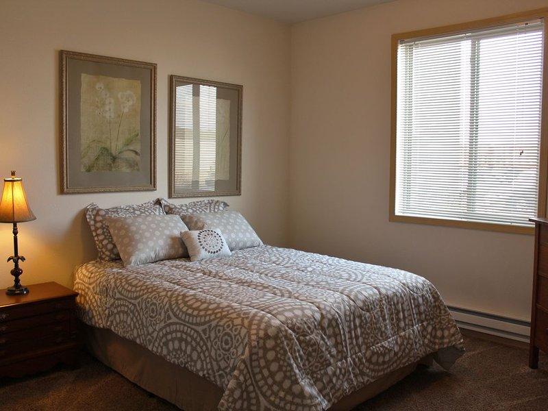 4 Bed Flat- NDSU Area, vacation rental in North Dakota