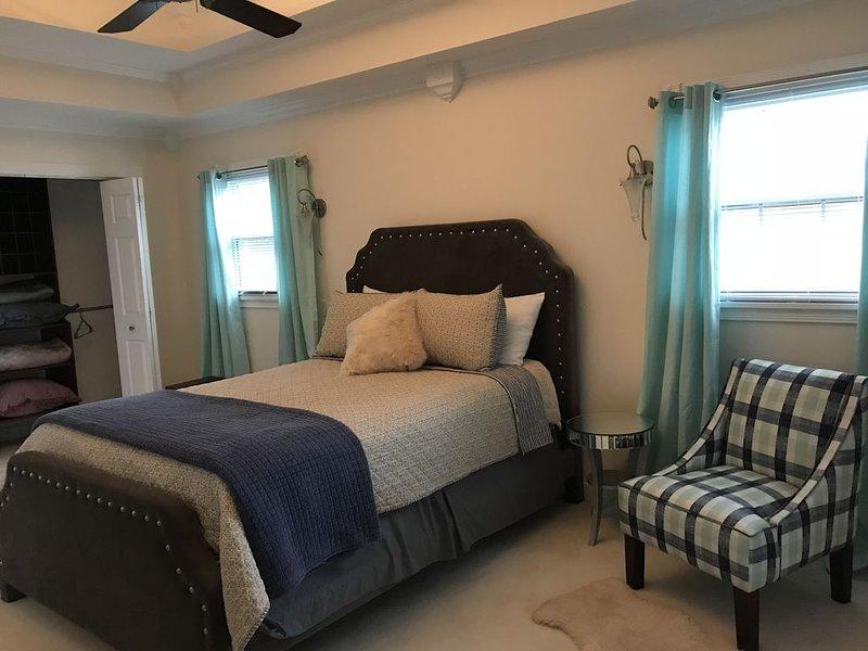 Perfect Spot, 3 bd/2.5 bath, Quick access to I64/Watterson/11 miles to downtown, location de vacances à Saint Matthews