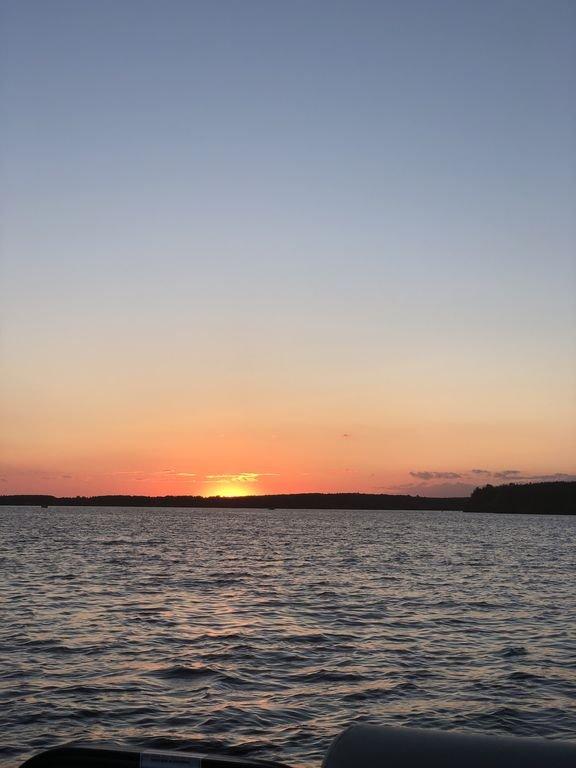 Atardecer en el lago DuBay