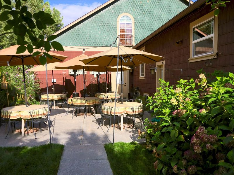 Walking distance to downtown Walla Walla - Fat Duck Inn, holiday rental in Milton Freewater