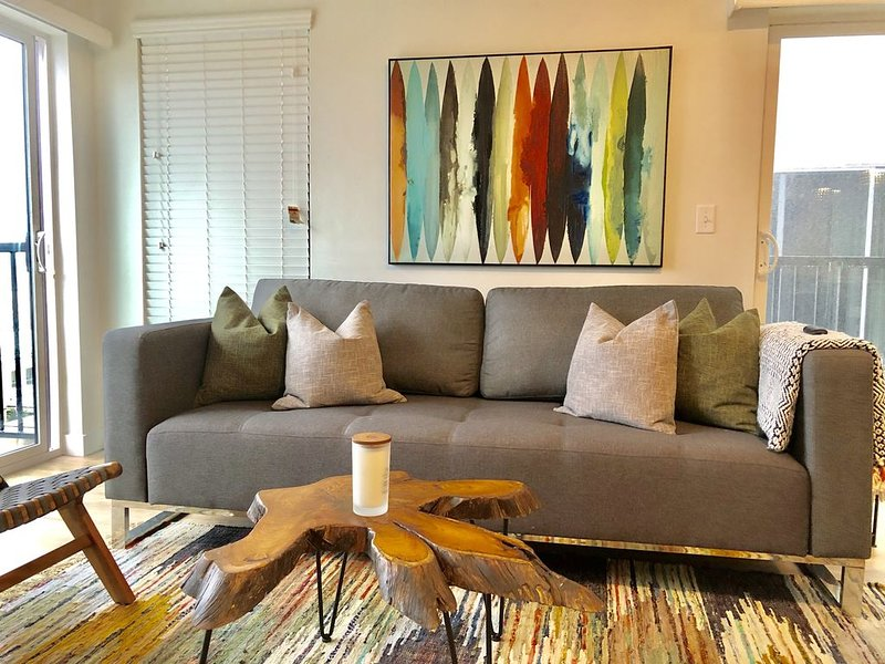 400-Penthouse Living! 1bed/1bath Downtown SLC with 180 Degree Views!, location de vacances à Salt Lake City