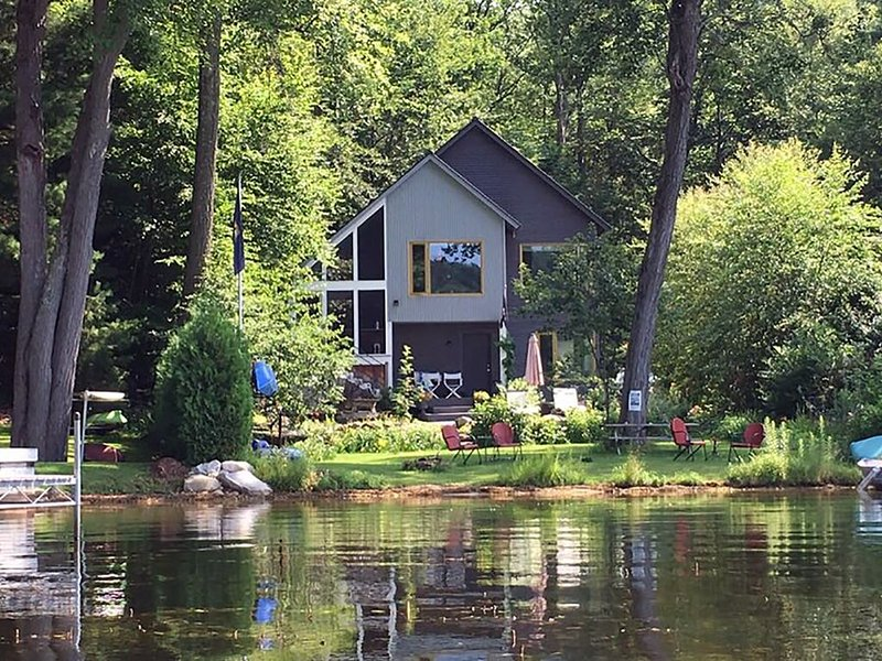 Lake Front Home with Stunning Views, holiday rental in Orwell