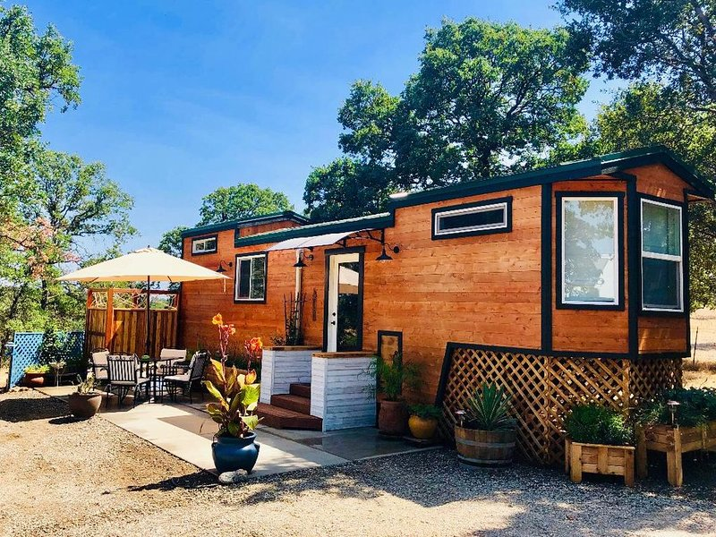 Tiny Home at Dibble Creek, holiday rental in Cottonwood