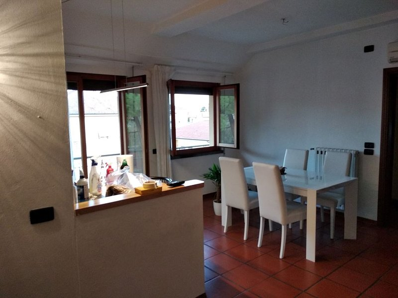 Full appartment very close to centre town in a silent and nice area., casa vacanza a San Pietro in Campo