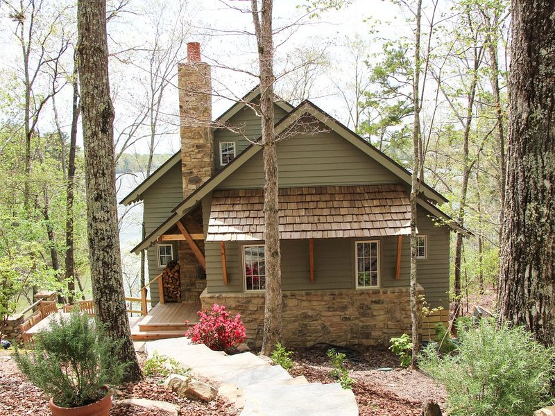 Brand new 4/3 home on Beautiful Smith Lake Alabama, vacation rental in Jasper