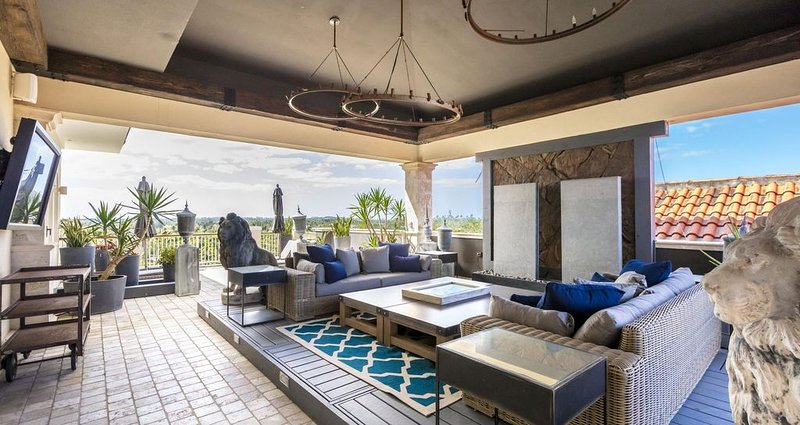 Upscale Penthouse in Dorado Beach, Ritz Carlton Reserve: Beaches & Golf Paradise, vacation rental in Dorado