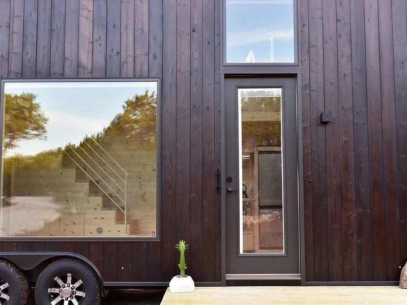 Buck Moon Tiny House, holiday rental in Wimberley