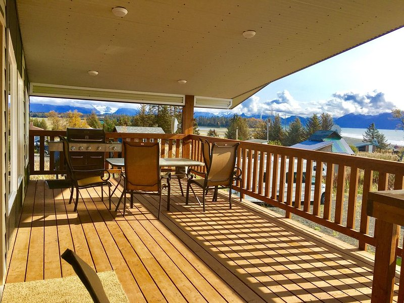 Old Town Lodge - Big View, 4 Bedrooms, Walk to everything!, alquiler vacacional en Seldovia