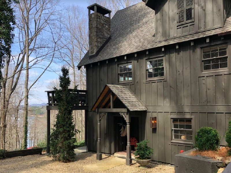 Cozy, Newly Renovated Lakeview Chalet, alquiler vacacional en Glenville