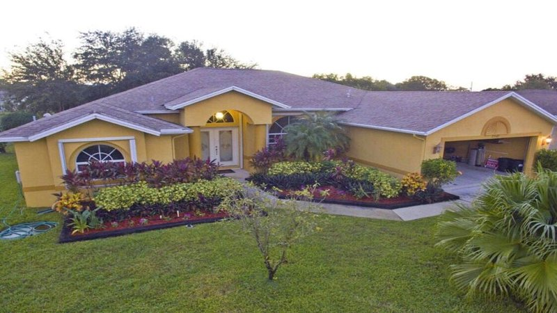 Private Modern  Luxury The Best Vacation Home Away From Home!, casa vacanza a Port Saint Lucie