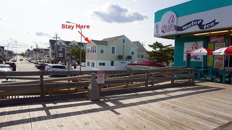 Newly Renovated Beautiful Beach Block Apartment (#1), alquiler de vacaciones en Seaside Heights