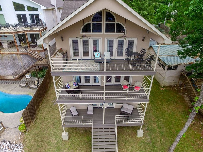 New Listing! Beautiful Lake Hamilton Home!, holiday rental in Pearcy