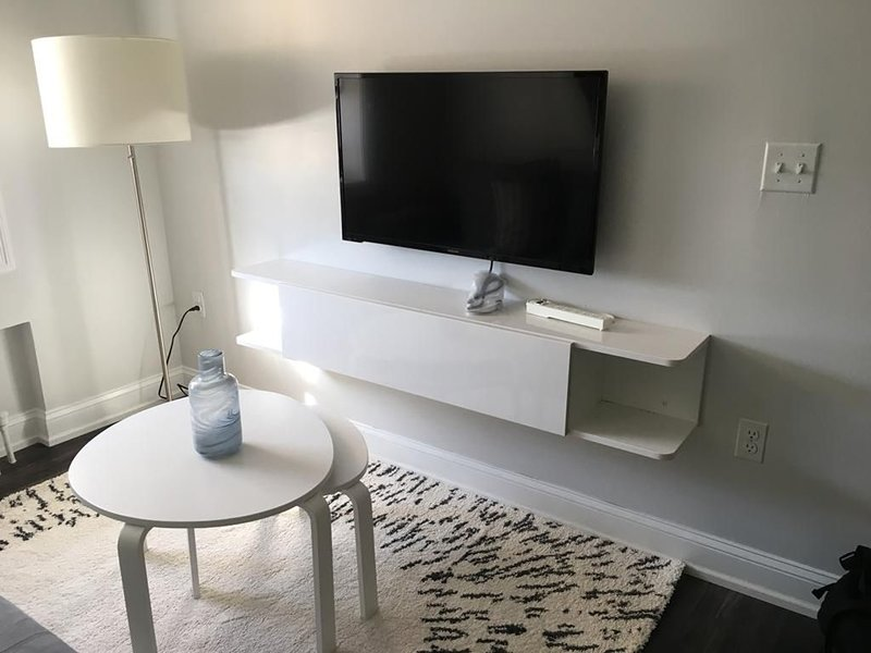 1721 1C · Bright NYC Apt/Parking Avail-20 min to Time Square, vacation rental in Union City