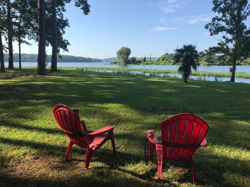 Lake Chillin' at it's finest!, alquiler de vacaciones en Clanton