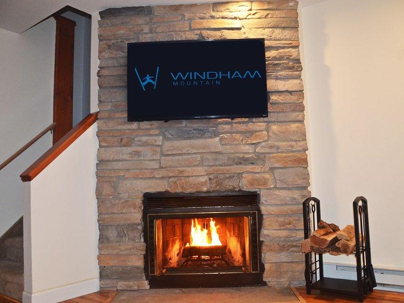 Windham Mountain Getaway 2BD 2BA Condo, holiday rental in East Durham
