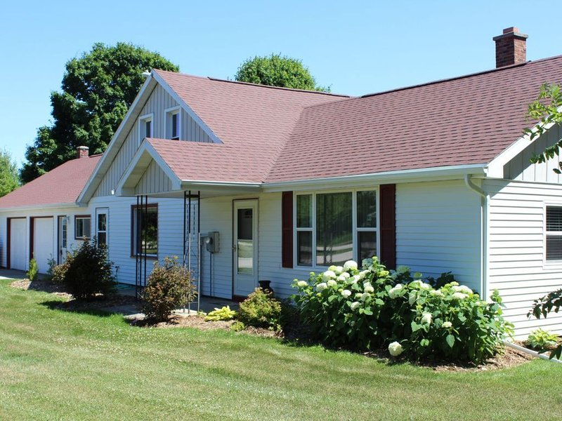 Country Farm House - Fish Creek, casa vacanza a Fish Creek