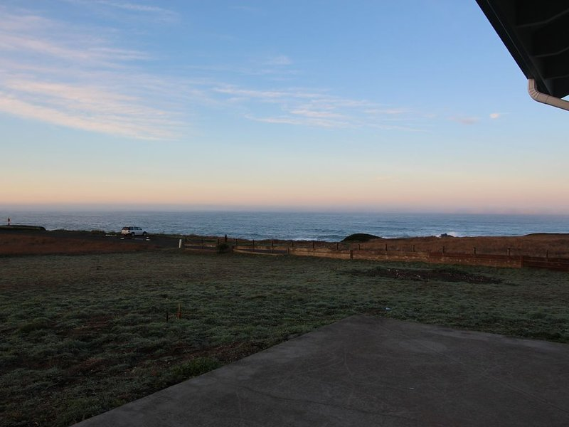 ForeverView !  Side to Side Views! Hear the Sea Lions!, location de vacances à Mendocino County