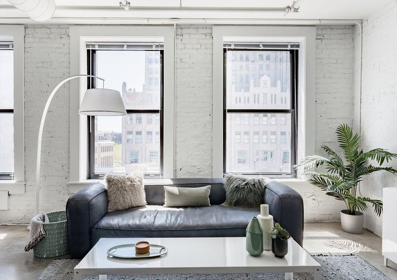 Stroll to Gateway Arch From a Trendy Downtown Converted Loft, holiday rental in Saint Louis