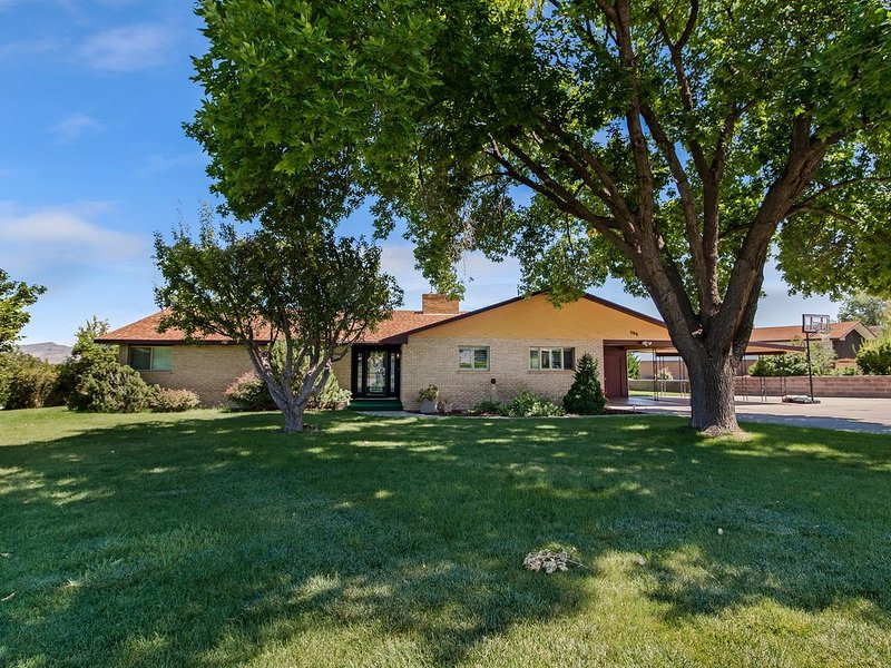 Panoramic Views overlooking the Colorado River Valley, vacation rental in Fruitvale