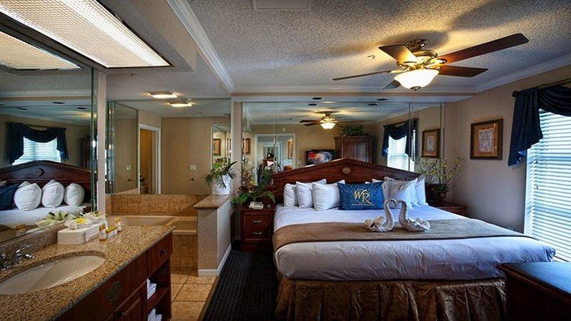 2 Bedroom Resort Condo 3 minutes away from UNIVERSAL STUDIOS, casa vacanza a Windermere