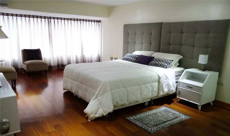 Best location, 2 rooms new apartment fully equipped in the heart of Miraflores – semesterbostad i San Isidro