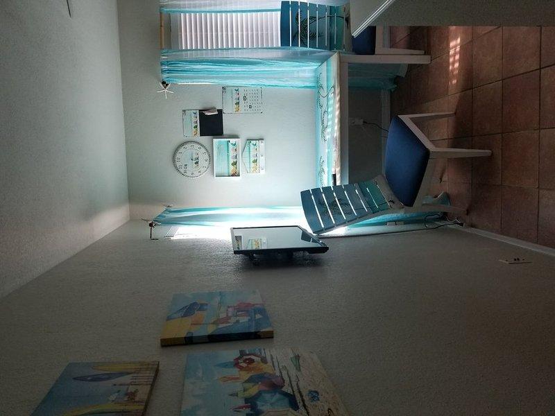 Ellie's Fun and Sun Heated Pool/Spa  Super Clean  Sleeps 4 adults Great reviews!, alquiler de vacaciones en Belleair