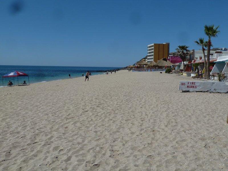 Beautiful Beachfront Villa on the Sea of Cortez, vacation rental in Puerto Penasco