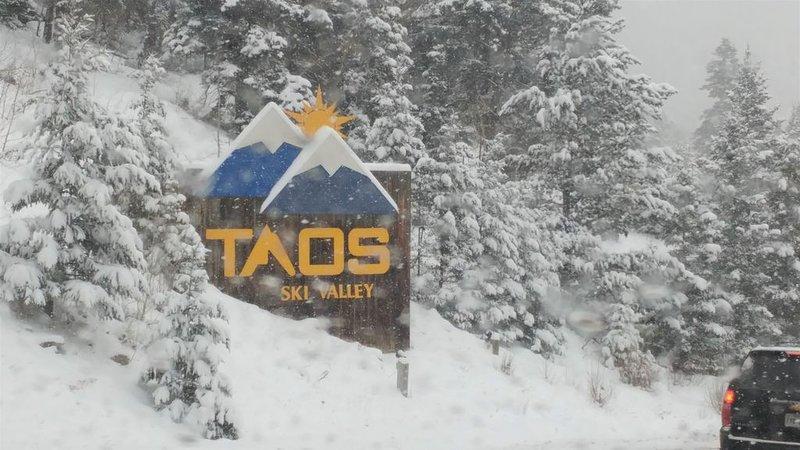 Bienvenidos a mi casa en Taos, alquiler de vacaciones en Carson