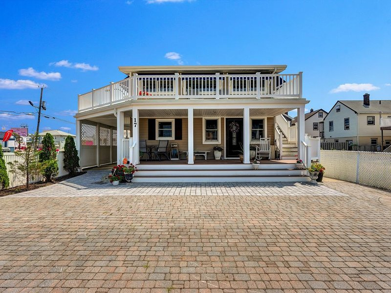 Beautiful Ocean Terrace Beach House with High-Speed Internet at North End, alquiler de vacaciones en Seaside Heights