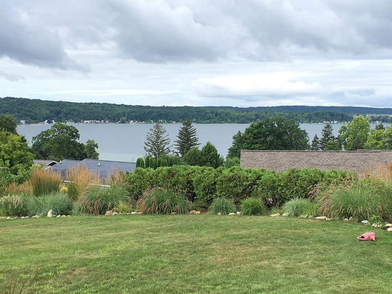 Spectacular panoramic views of Crystal Lake near downtown Beulah, holiday rental in Beulah