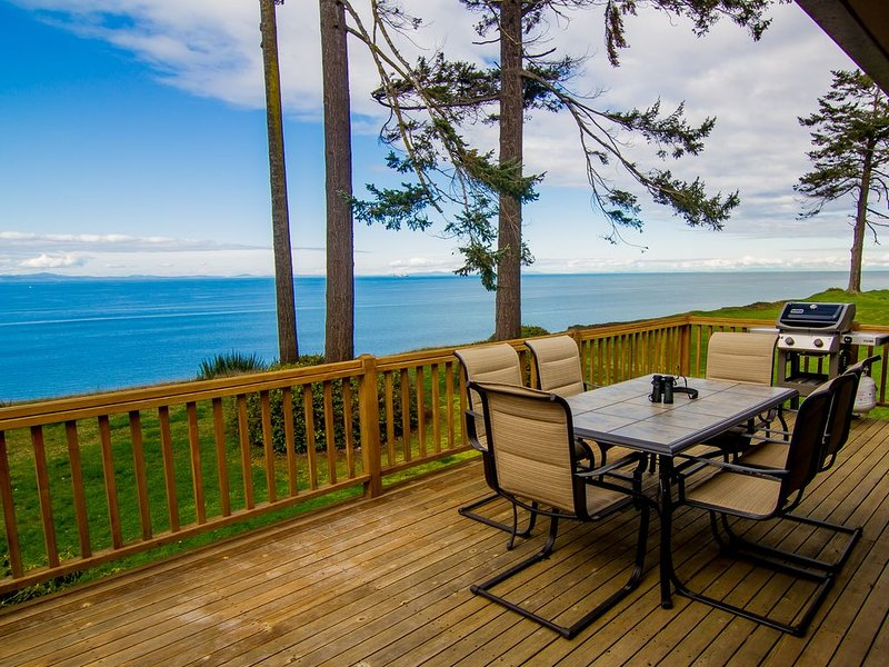 Big House with the best views in Port Angeles, vacation rental in Port Angeles