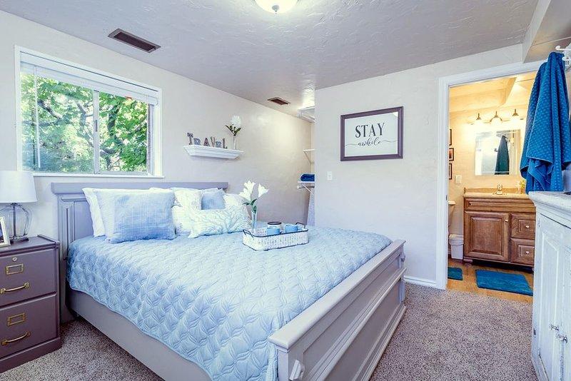 Stay Awhile at this Hidden Hub in Cedar City, holiday rental in Cedar City