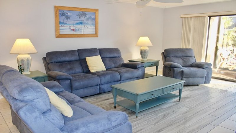 Comfy sofa and chair recliners