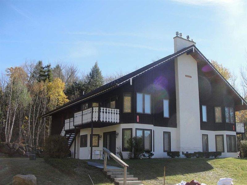 Family condo near Storyland, Attitash, Echo Lake, aluguéis de temporada em Bartlett