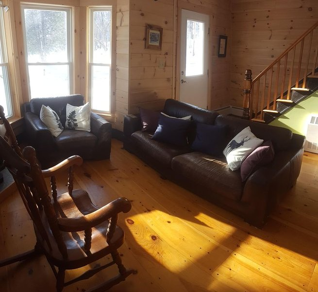 Cozy Townhouse near Jay Peak Ski Resort - Newly Renovated, Ferienwohnung in Mansonville