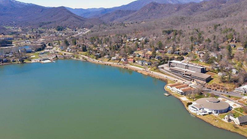 All New 2b1b Plus View!, aluguéis de temporada em Lake Junaluska